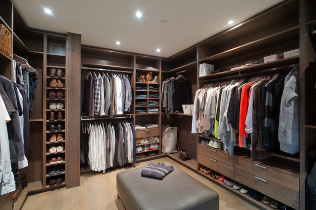 Walk-in Styled Closet for Men